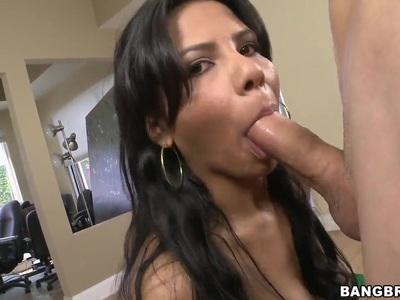 Wonderful blowjob scene with pretty Latinas curve Rose