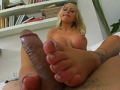 Footjob ends up with new jism