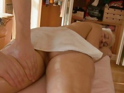 Cutie gives fellatio and pussy plowing as payment