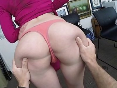 Outstanding sex for a glamour gal