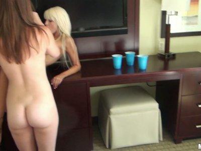 Slim chicks Farrah Fallon, Monica Rise & Rikki Six love pleasing a cock