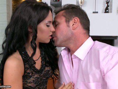 Dildo addicted whore Bettina Dicapri gets tender cunnilingus