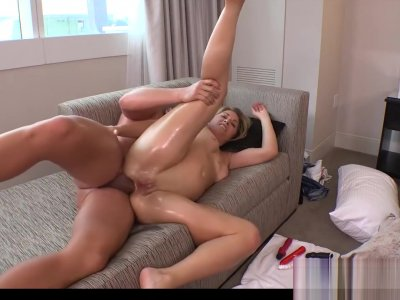Shared Mommy Kyra Gives Titjob Well Tender Bud