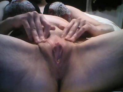 fingering my pretty pussy