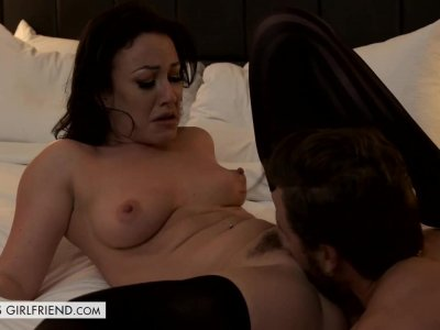 Jennifer White Shows First Timer a Good Time