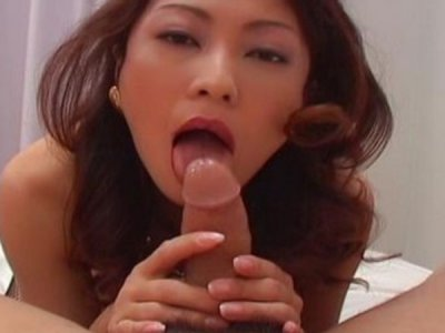 Hot and horny MILF Marie gives head