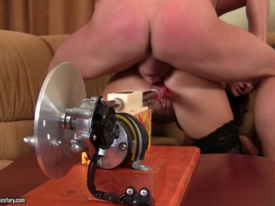 Wicked brunette hoe Kendra Star gets drilled by dildo machine