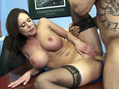 Kendra Lust getting some of that good dick right in her desk