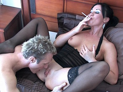 Devouring that pussy