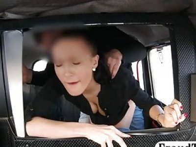 Hot amateur babe screwed by pervert driver in the taxi