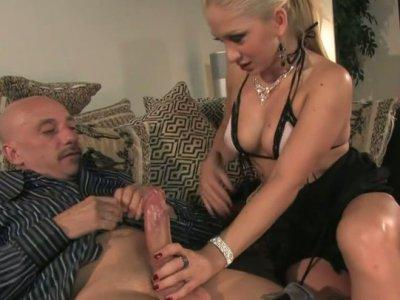 Lustful slut Leah Lush seduces an old man and sucks his dick deepthroat