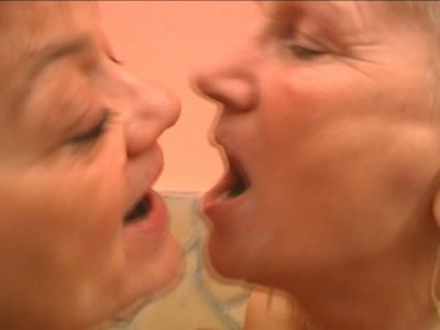 Aroused old lesbians Remy and Paula tongue fuck stinky mufts