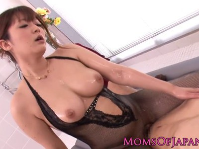Japanese MILF creampied after oily massage