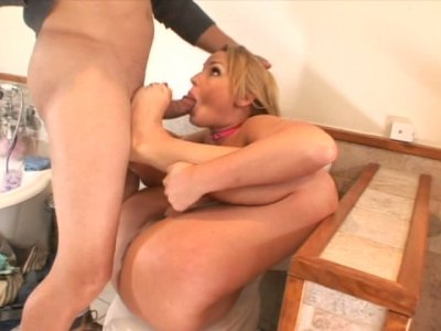 Delicious blonde babe Flower Tucci getting cunnilingus in the bathroom