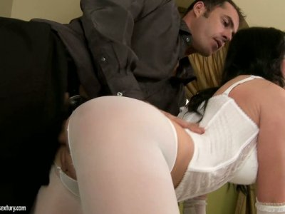 Naughty brunette Alma Blue gets her ass fucked on her side