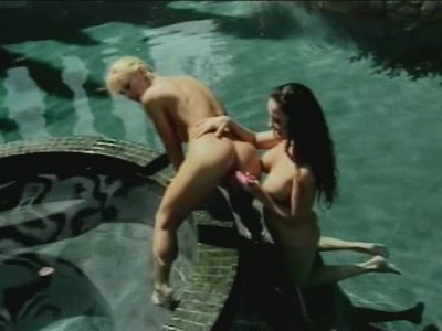 Super hot outdoor fuck performed by Jewell Marceu and Tanya Danielle