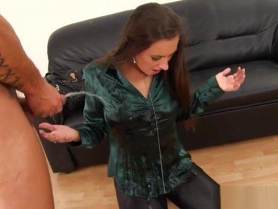 Ho Pissing Pussy Fingered