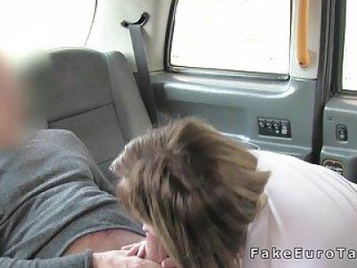 Tattooed bbw bangs till facial in fake taxi